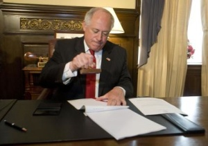 Gov. Pat Quinn vetoed the Illinois doomsday budget yesterday.
